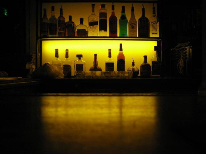 A liquor bar. (CC/Ernesto Andrade)