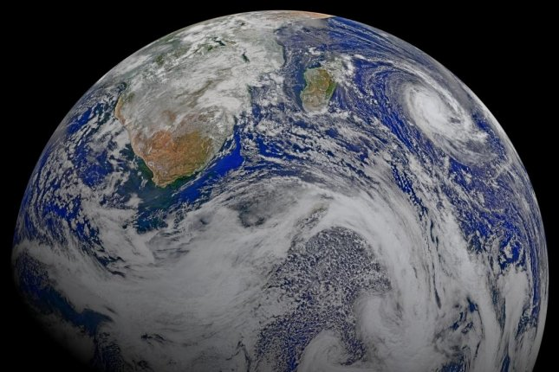 Earth's last magnetic field reversal took 22,000 years