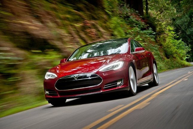 Tesla Model S (Photo Courtesy of Tesla Motorsm Inc.)