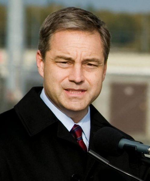 Alaska Gov. Sean Parnell has pledged to appeal the Sunday ruling striking down the state constitution's ban on same-sex marriage. (Joshua Garcia)