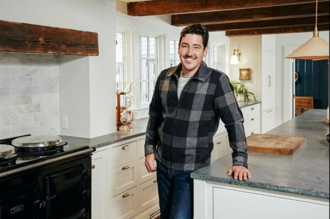 Jonathan Knight can now be seen in the renovation docu-series, Farmhouse Fixer. Photo courtesy of HGTV