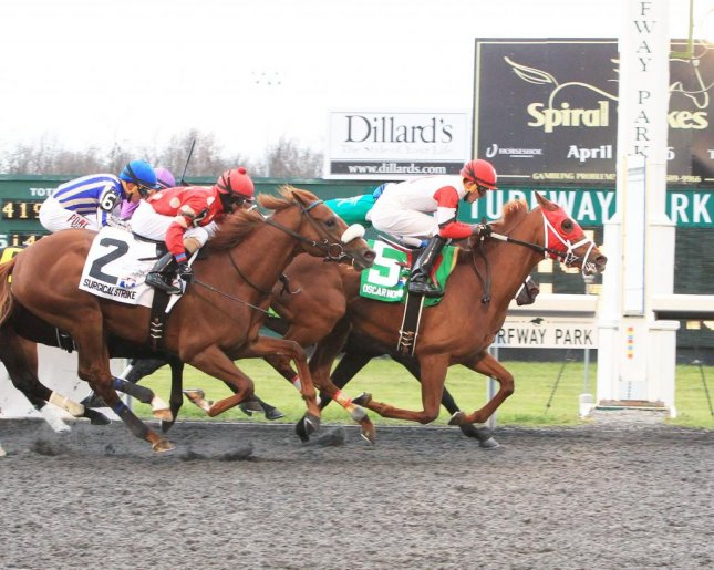 Oscar Nominated, seen winning the Grade III Spiral Stakes at Turfway Park in 2016, is in action this weekend at Kentucky Downs. (Turfway Park photo)