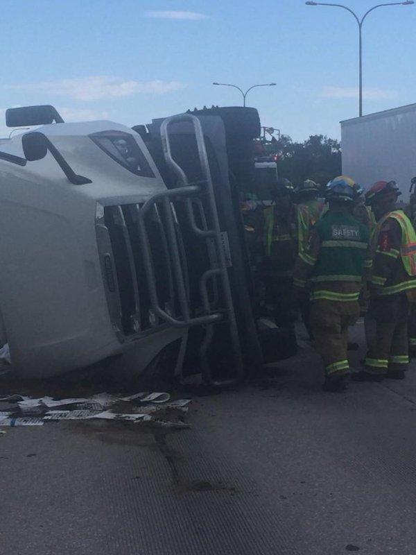 Overturned truck dumps groceries onto Colorado highway