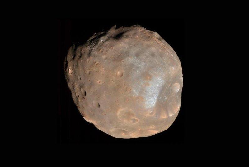 New analysis suggests Phobos possesses a heat signature similar to Mars' volcanic crust. Photo by NASA/JPL-Caltech/University of Arizona