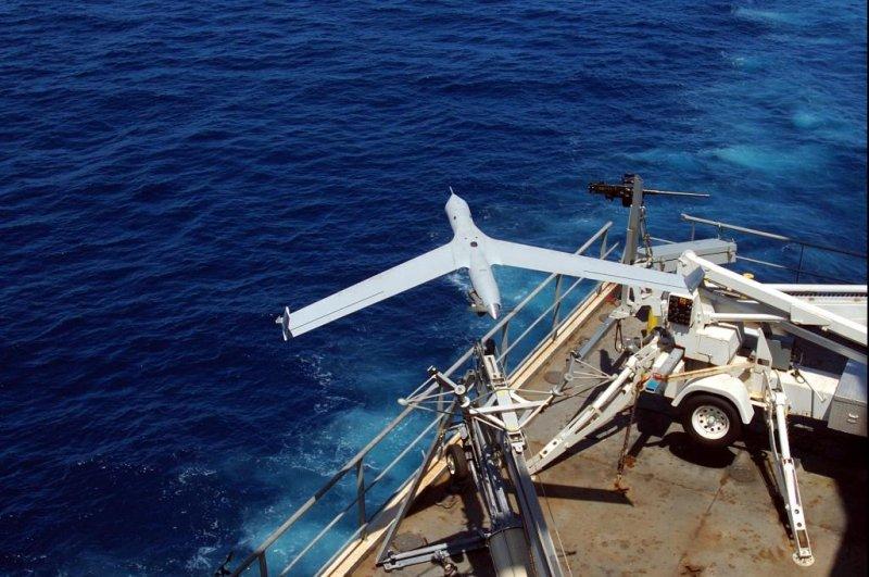 Australian Navy flight tests its ScanEagles