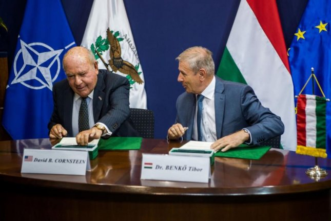 U.S. Ambassador to Hungary Devid Cornstein, L, and Hungarian Defense Minister Tibor Benko, R, signed a declaration of intent on Wednesday in Budapest for purchase by Hungary of about $1 billion in U.S.-made, air-to-air defense missiles. Photo by EPA-EFE/MTI