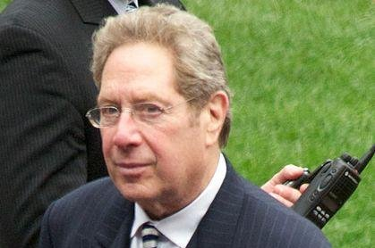 John Sterling has called over 5,000 consecutive Yankees games. Photo byChris Ptacek/Wikimedia Commons