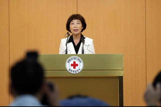 Kim Sun-hyang, acting chief of South Korea's Red Cross, holds a news conference in Seoul on July 17 to propose inter-Korean Red Cross talks be held at the truce village of Panmunjom 1 to discuss ways to resume family reunions. Photo by Yonhap
