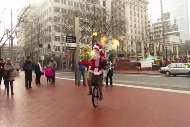 Portland's Unipiper spreads holiday cheer in his own unique way. Screenshot: Storyful