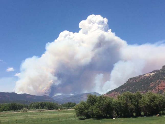 Colorado wildfire doubles in size, thousands evacuated as blaze expected to grow