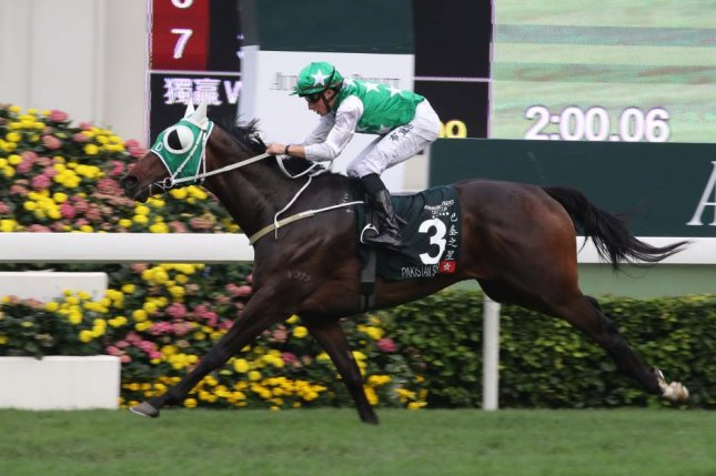 Pakistan Star, seen winning the 2018 Q E II Cup at Sha Tin, gets a new trainer in hopes of reviving his flagging career. Hong Kong Jockey Club photo