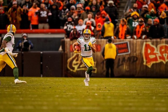 Packers WR Trevor Davis won't be charged after LAX bomb joke