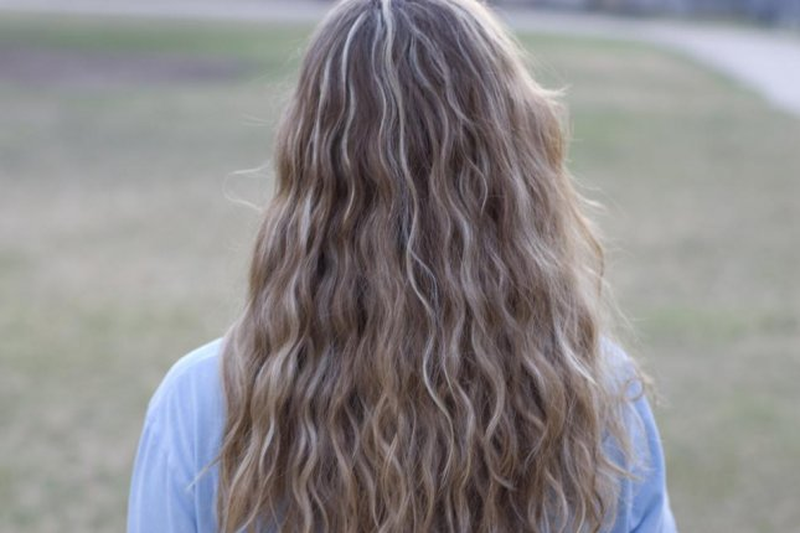 Long hair. (CC/Joey Parsons)