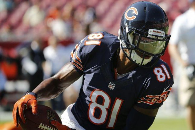 Bears WR Cam Meredith Leaves Game With Torn ACL