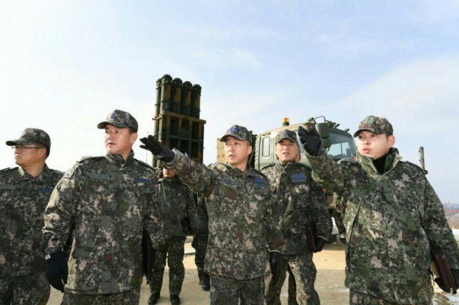 Lt. Gen. Lee Wang-keun of South Korea's air force (C) inspects a Cheongung anti-aircraft guided missile unit in Gangwon Province on Dec. 15. File Photo courtesy of Republic of Korea Air Force/Yonhap