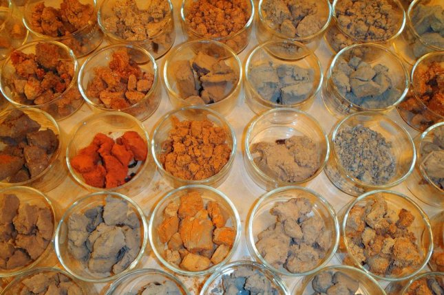 Soil samples. Photo by Oregon Department of Transportation/CC.