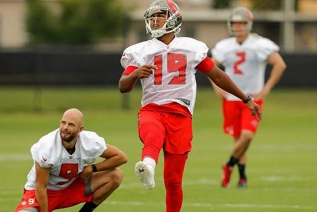 Bucs 2016 2nd Round Pick K Roberto Aguayo Misses Another Extra Point (VIDEO)
