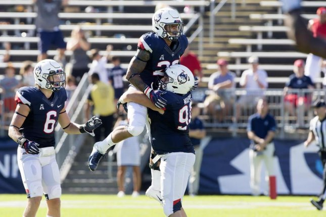 Hospitalized UConn Huskies LB Eli Thomas in stable condition - UPI.com ec3a6ba89