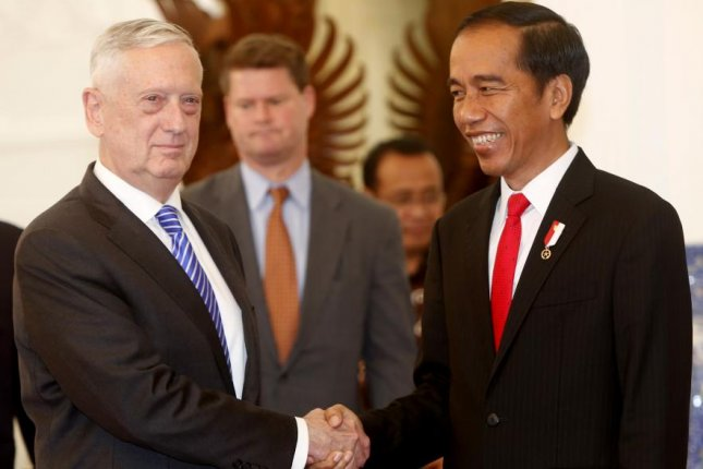 U.S. Secretary of Defense James Mattis met Indonesian President Joko Widodo (R) in Jakarta on Tuesday. Photo by Adi Weda/EPA-EFE