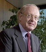 ENI chief Paolo Scaroni calls for linking the South Stream and Nabucco pipelines. (ENI file photo)