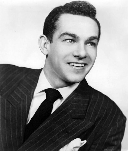 Comedian, actor, singer, dancer and director Jack Carter died of respiratory failure June 28. Photo by James Kollar/William Morris Agency/Wikimedia