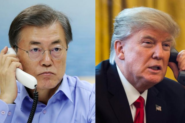 South Korean President Moon Jae-in (L) and U.S. President Donald Trump, seen from Moon's office and a file photo, respectively, spoke for an hour Thursday evening. File Photo by Yonhap