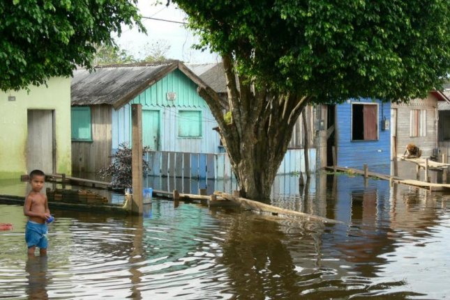 Floods in the Amazon can spread disease and pollution. Photo by Jochen Schöngart/National Institute for Amazon Research