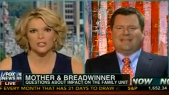 FOX host Megyn Kelly grills Erick Erickson over his remarks that men should be in the dominant role. (Screenshot via FOX News)
