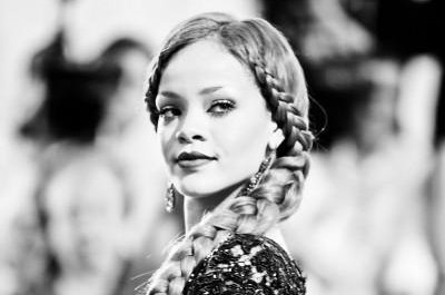 Rihanna to be honored with the 2014 CFDA Fashion Icon Award