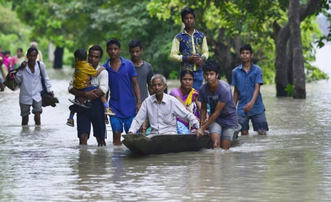 Mumbai faces more rain after record downpour