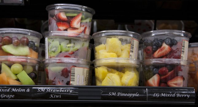Packaged prepared fruit containers. UPI/Gary C. Caskey