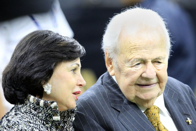 New Orleans Saints owners Gayle and Tom Benson (R) sit on the Saints bench before the game on November 19, 2017 at the Mercedes-Benz Superdome in New Orleans. Photo by AJ Sisco/UPI