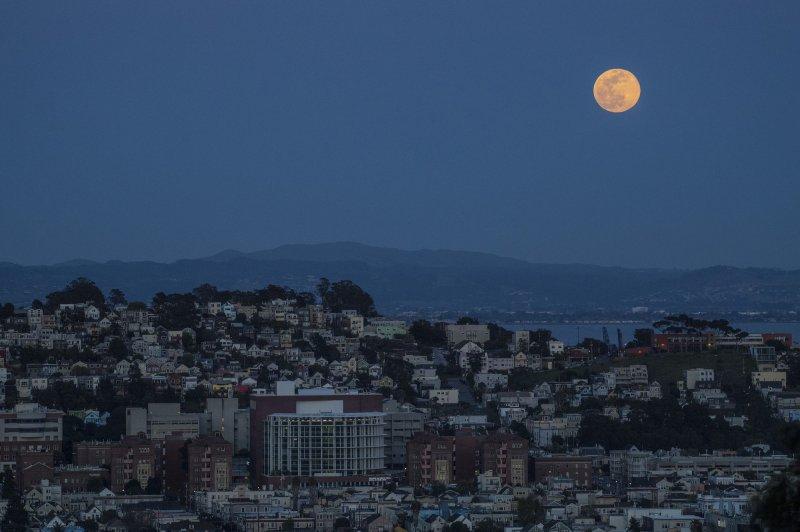 Lunar cycle can influence circadian rhythms of humans, study says