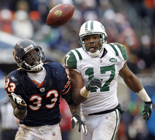 Chicago Bears cornerback Charles Tillman (33) and wide receiver Braylon Edwards (17), then with the New York Jets, at Soldier Field in Chicago, Dec. 26, 2010. UPI /Mark Cowan