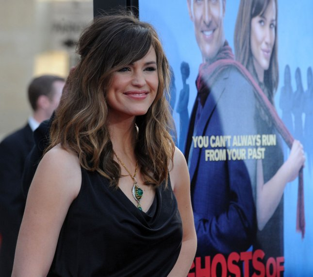 Jennifer Garner, a cast member in the romantic comedy motion picture Ghosts of Girlfriends Past, attends the premiere of the film at Grauman's Chinese Theatre in the Hollywood section of Los Angeles on April 27, 2009. (UPI Photo/Jim Ruymen)