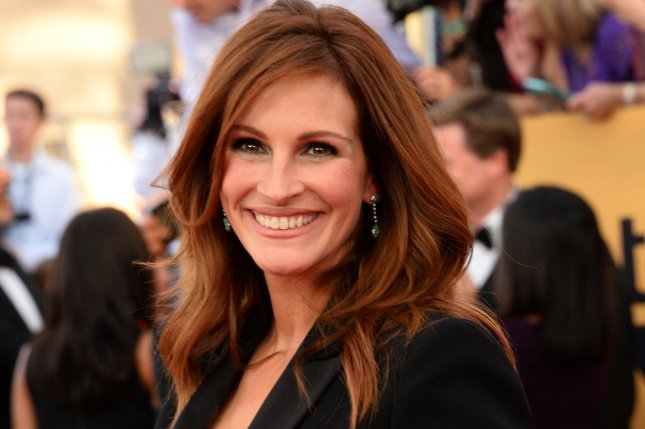 Actress Julia Roberts arrives for the 21st annual SAG Awards held at the Shrine Auditorium in Los Angeles on Jan. 25, 2015. Photo by Jim Ruymen/UPI