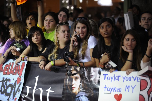 Fans attend the premiere of the film Twilight in Los Angeles on November 17, 2008. (UPI Photo/ Phil McCarten)