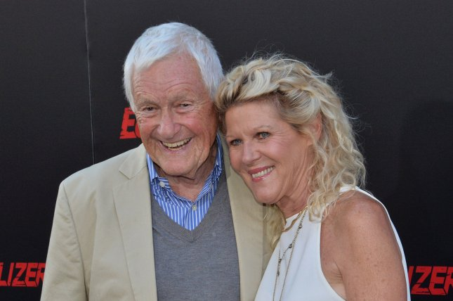 Orson Bean, pictured here with his wife actress Alley Mills, died Friday at the age of 91. File Photo by Jim Ruymen/UPI