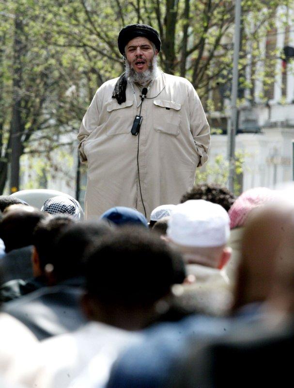 Radical Muslim leader Sheik Abu Hamza in London, April 16, 2004. (UPI Photo/Hugo Philpott)