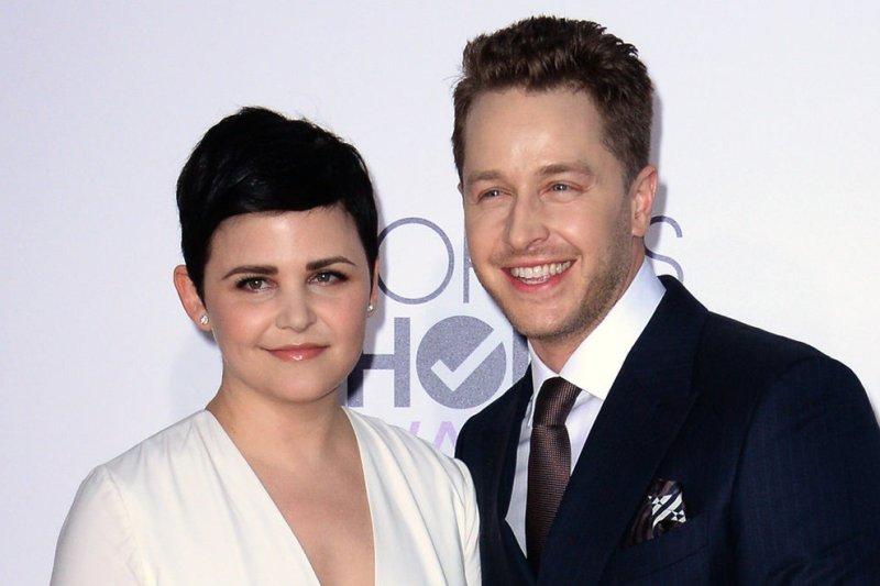 Ginnifer Goodwin (L) and husband Josh Dallas at the 41st annual People's Choice Awards on January 7, 2015. Photo by Jim Ruymen/UPI