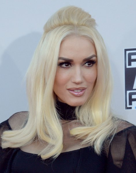 Recording artist Gwen Stefani arrives for the 43rd annual American Music Awards on November 22, 2015. The singer's recent appearance on James Corden's Carpool Karaoke segment included a visit from George Clooney and Julia Roberts. File Photo by Jim Ruymen/UPI