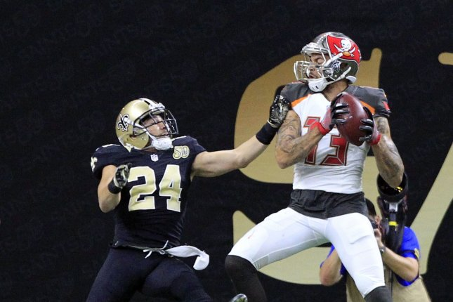 Tampa Bay Buccaneers wide receiver Mike Evans (13) pulls in a 34-yard touchdown in December 2016. The Bucs announced Tuesday they had signed tight end Matt Weiser. File Photo by AJ Sisco/UPI