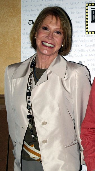 Mary Tyler Moore seen on this July 2007 file photo. (UPI Photo/Laura Cavanaugh)