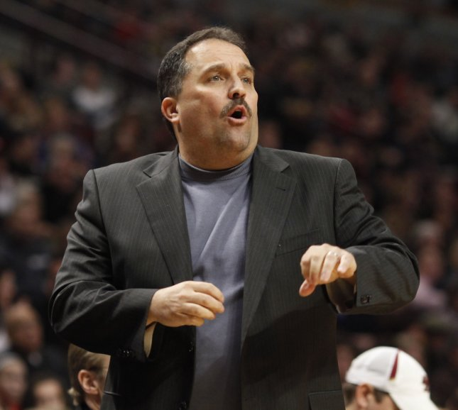 Orlando Magic head coach Stan Van Gundy shouts to his players during the fourth quarter against the Chicago Bulls at the United Center in Chicago on January 2, 2010. The Bulls won 101-93. UPI/Brian Kersey