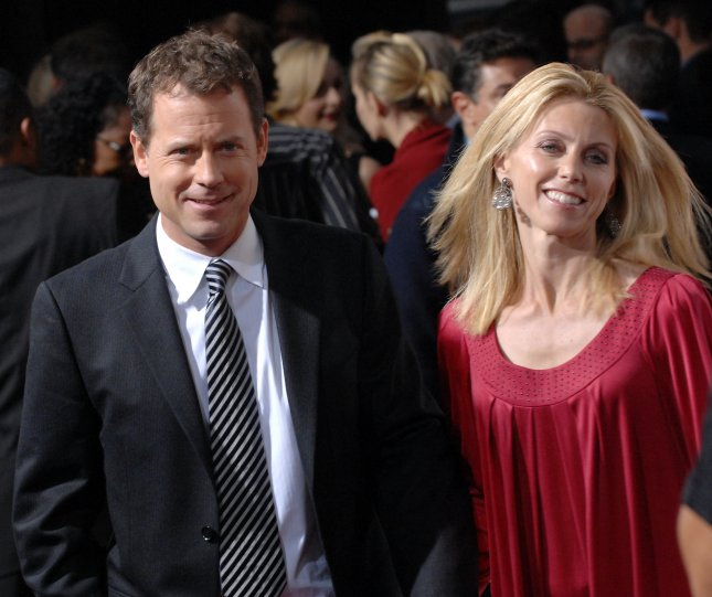 Cast member Greg Kinnear and his wife Helen Labdon arrive for the premiere of the motion picture romantic drama Feast of Love at the Academy of Motion Picture Arts and Sciences in Beverly Hills, California on September 25, 2007. (UPI Photo/Jim Ruymen)