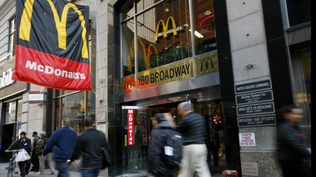 Is Mcdonalds Open On Christmas.Mcdonald S Restaurants Might Stay Open This Christmas For An