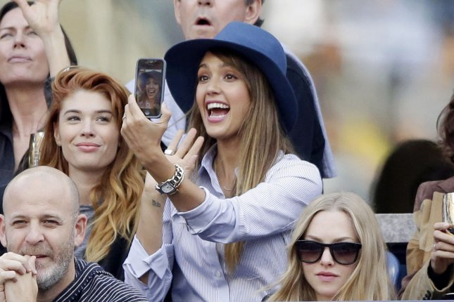 Jessica Alba goes blonde for 'Barely Lethal' role