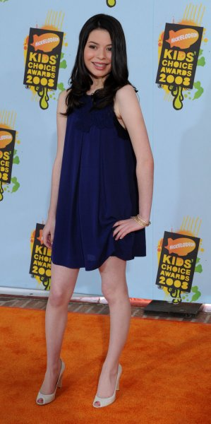 Miranda Cosgrove arrives for Nickelodeon's 2008 Kid's Choice Awards at UCLA in Los Angeles on March 29, 2008. (UPI Photo/Jim Ruymen)