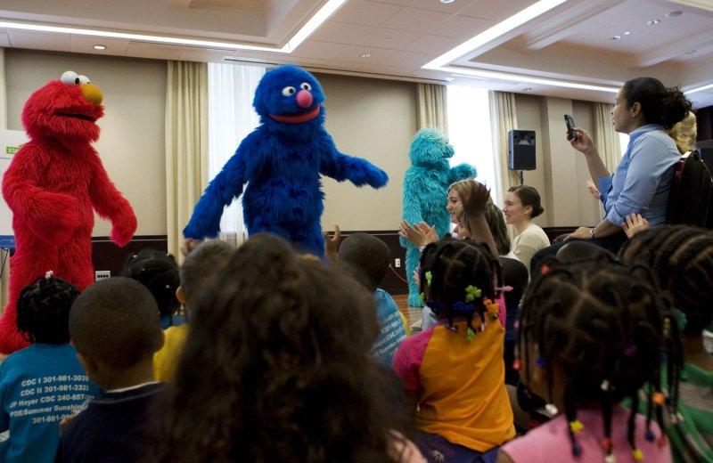 Elmo, Grover & Oscar to appear on 'Scrubs'