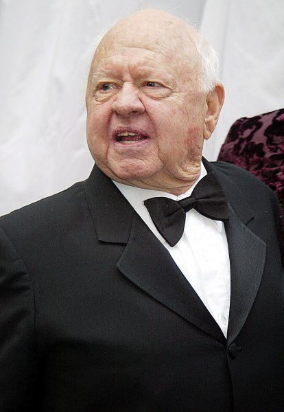 NYP2002031760 - NEW YORK, March 17, (UPI)-- Mickey Rooney arrives at Collegiate Marble Church in New York city,for Liza Minelli's wedding on March 16, 2002. rw/lc/Laura Cavanaugh UPI